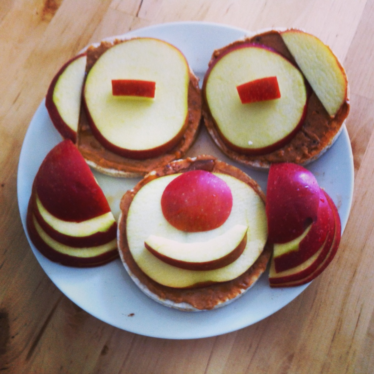 Queen's day! and apple-peanut-butter-happy-monkey breakfast plate